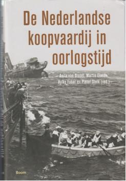 boekomslag met foto zinkend schip en sloep met geredden